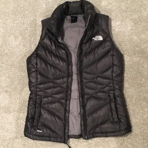Excellent used condition The North Face vest.